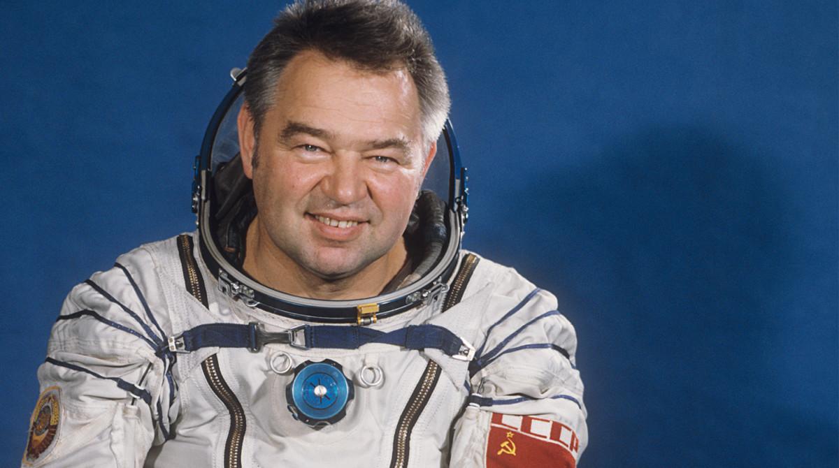 25 мая - день рождения Георгия Гречко, Летчика-Космонавта №34 (фото 1985 года)